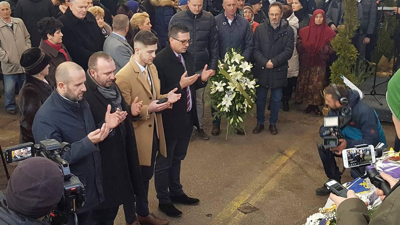 Delegacija KO DF Sarajevo odala počast žrtvama masakra na Markalama