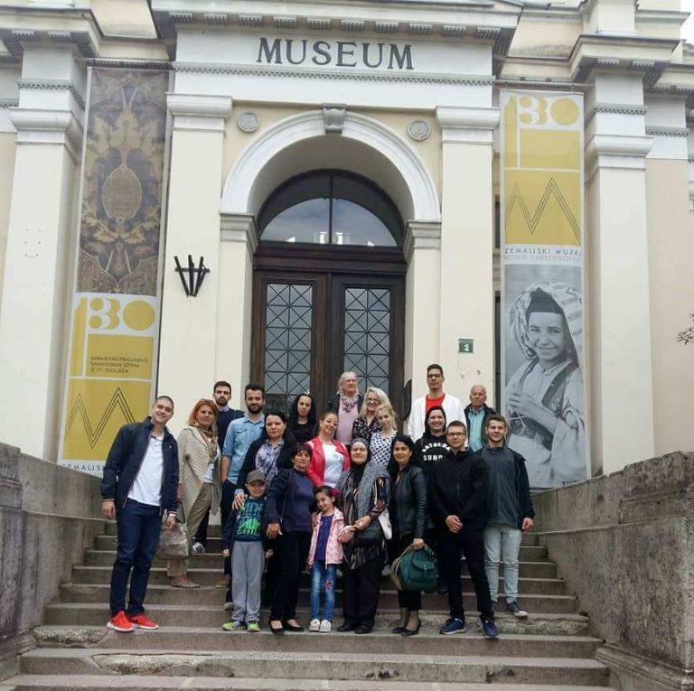 DAN I NOĆ MUZEJA: Delegacija Demokratske Fronte U Posjeti Zemaljskom Muzeju Bosne I Hercegovine