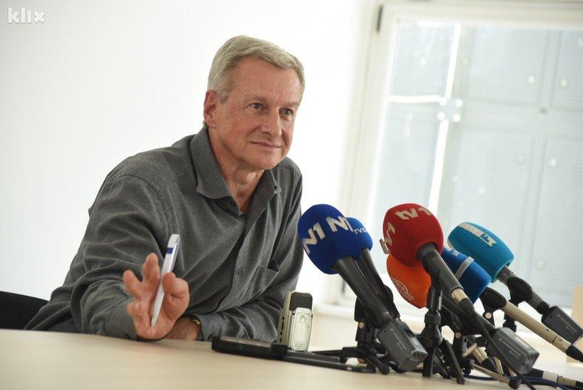 """Edo Selimić: Zdravstvenim radnicima je """"dogorjelo do nokata"""", tražimo povećanje plata"""