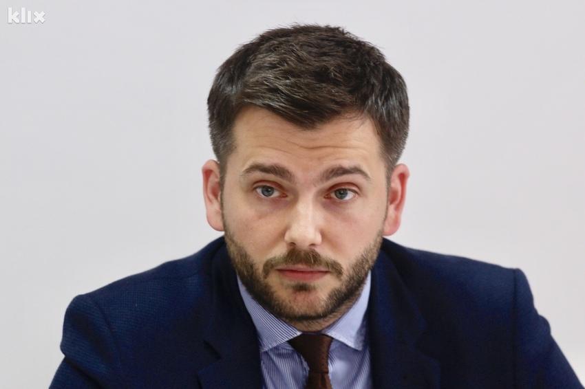 Zuhrić: Konaković zatražio od SDP, NS i DF da se sklone s puta Čoviću
