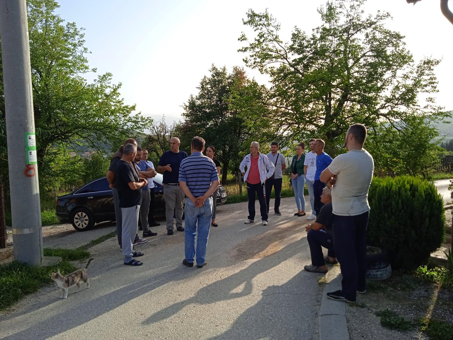 Predstavnici Općinskog povjereništva DF Vogošća u posketi građanima Mjesne zajednice Vogošća 2