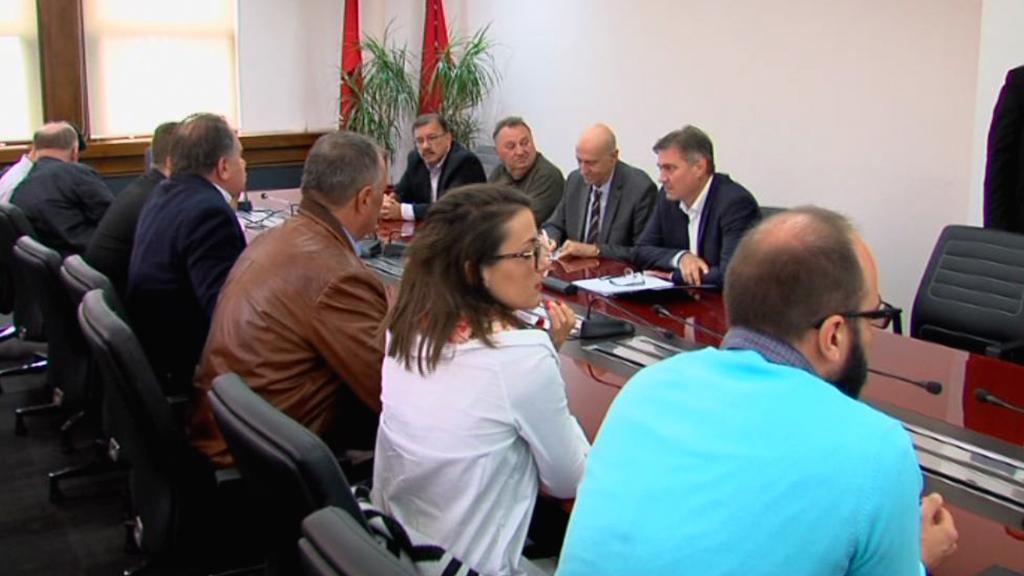 Nakon sastanka sa Zvizdićem: Demokratska fronta i dalje ne podržava predloženi Zakon o akcizama