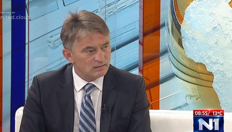 Komšić: Ko normalan može zaboraviti izjavu Vučića '100 za jednoga'