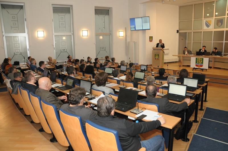 Općinski odbor Centar: Poklone u Centru će dobiti samo poslušni